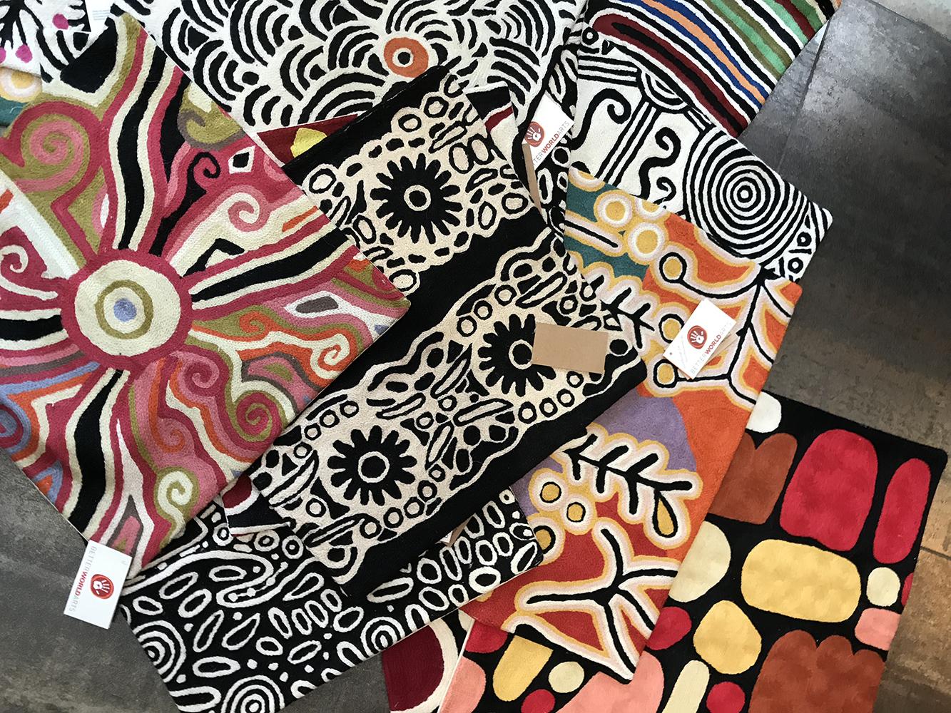 nouvel arrivage coussins aborigènes-1-temaglerie