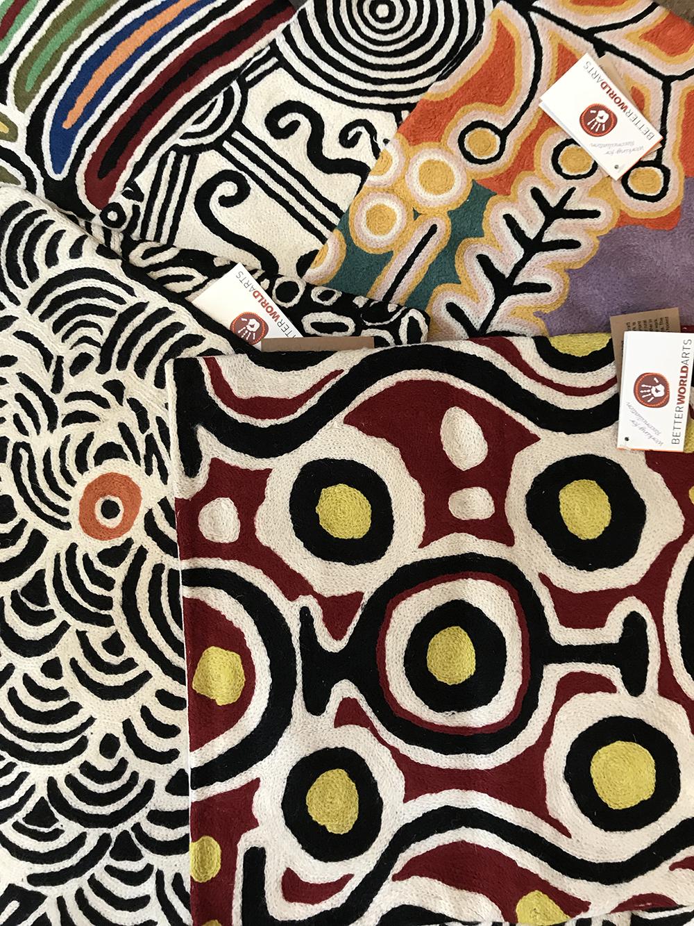 nouvel arrivage coussins aborigènes-2-temaglerie