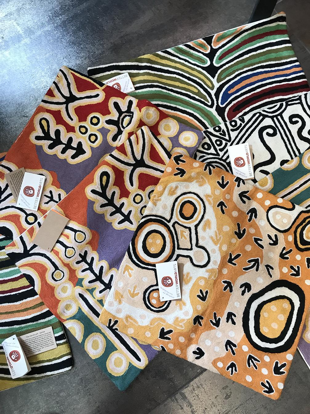 nouvel arrivage coussins aborigènes-3-temaglerie
